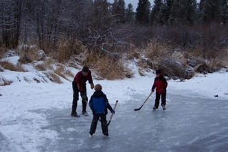 Hockey on pond